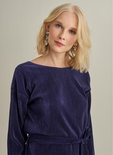 Monamoda Sırtı V Dekolteli Piliseli Elbise Lacivert